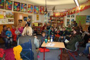 """Vorlesetag: Am """"Tag des Buches"""" war ein Klassenzimmer der Grundschule Schauplatz."""