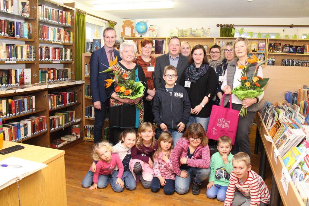 Altes und neues Team der Stadtbücherei Landau 2019